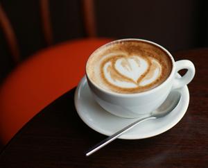 Чашка кофе в ресторане Сердце