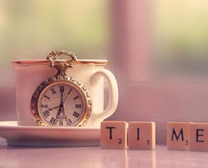 Старинные карманные часы, время. Чем меньше времени, тем больше успеваешь Миниатюра
