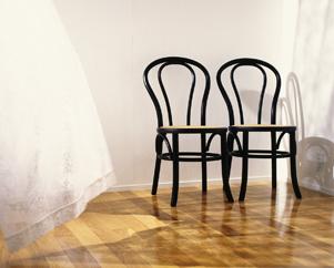 Один хорошо, а два лучше, два стула Миниатюра
