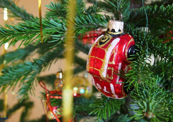 Как украсить елку Елочная игрушка Машинка
