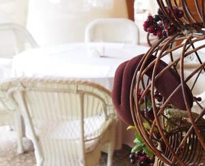 Столик в ресторане Ожидание