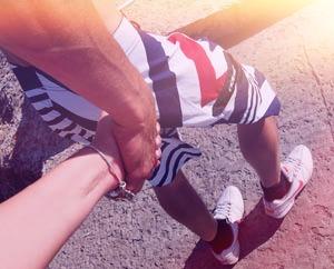 Иди за мной Держи меня за руку
