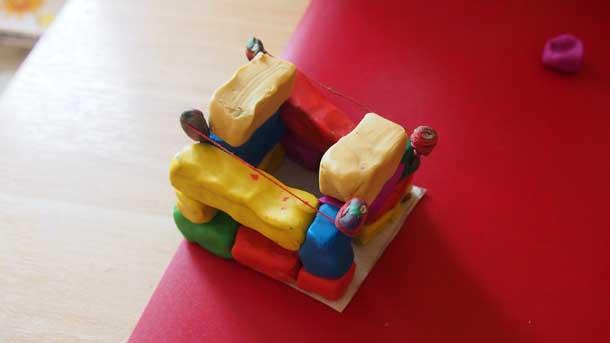 Как построить дом из пластилина Выравниваем фронтон