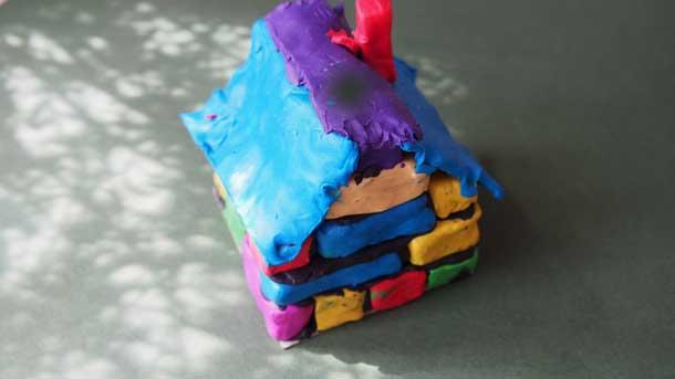 Как построить дом из пластилина Мой домик вид сзади