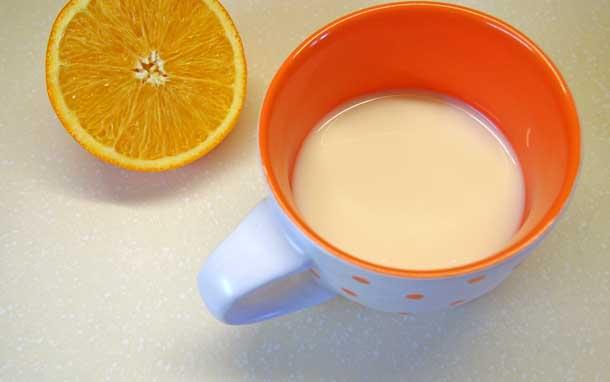 Апельсиновый раф Нагреваем молоко