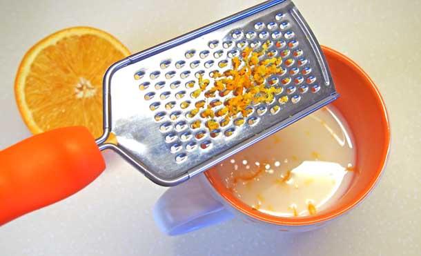 Апельсиновый раф Натираем цедру на терке