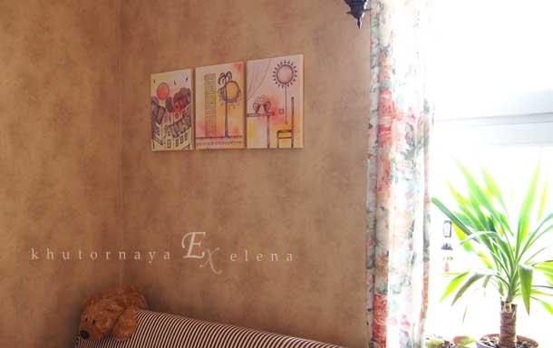 Декоративное настенное панно в интерьере Три панно на холсте