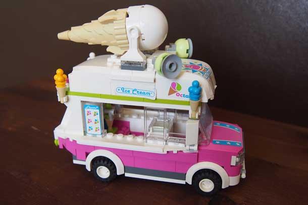 Лучший подарок мальчику Лего Машина с мороженым мирная