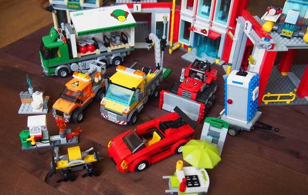 Лучший подарок мальчику Лего Городские машины и здания